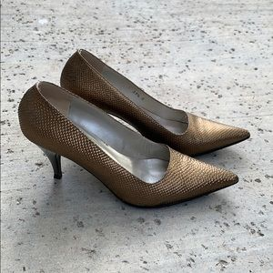 GUCCI Bronze Metallic Pumps